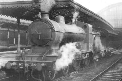 HBR Class J at Hull Paragon in 1933, as LNER Class D24 No. 2426 (S.Chapman)