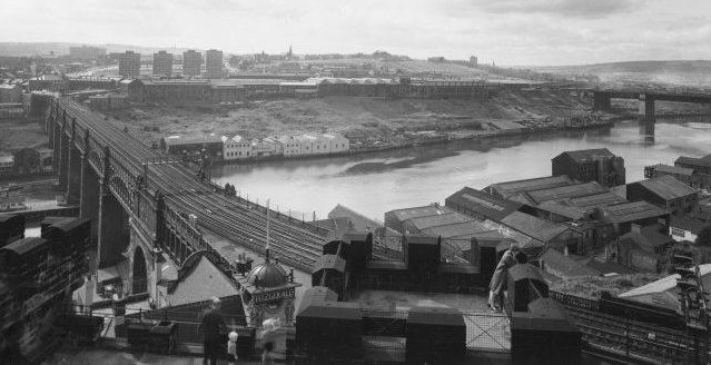 Fig. 6, A view of the bridge in the 1960s taken from the Castle