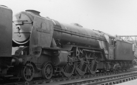 Class A1/1 BR No. 60113 'Great Northern' with smoke deflectors, at Kings Cross in 1962 (PH.Groom)