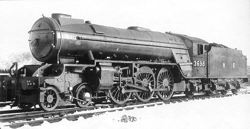 A2/1 No. 3698, wing-type smoke deflectors (M.Peirson)
