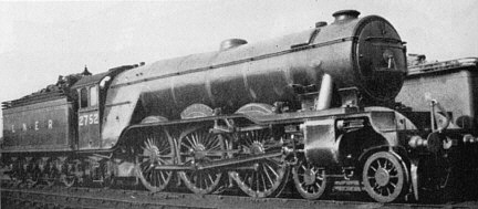 Gresley A3 Pacific No. 2752 'Spion Kop' at Doncaster in April 1933
