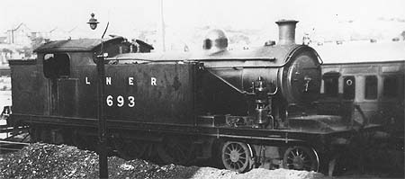 A5 No. 693 in LNER livery (c.Rosewarne)