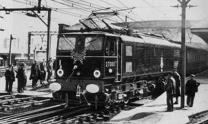 EM2 No. 27000 hauling the inaugural train through the new Woodhead tunnel, 14th September 1954