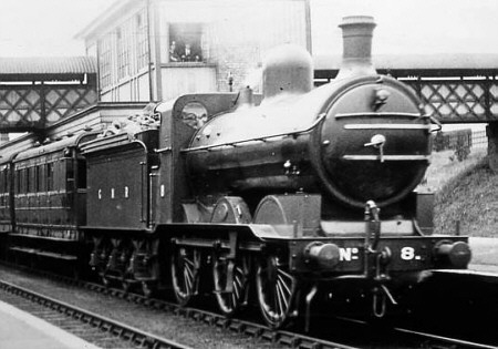 J1 GNR No. 8 at Oakleigh Park (M.Peirson)