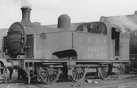 Class J50/2 No. 8935 at Annesley in 1948 (M.Peirson)
