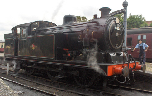 Preserved N7 No. 69621 in June 2006 (Michael Allen)