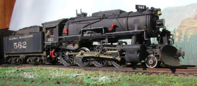 Pat Durand's Alaska Railroad detailed/weathered S160