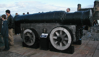 The cannon 'Mons Meg' at Edinburgh Castle (B.Anderson)