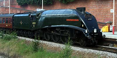 A4 No. 60009 'Union of South Africa' at Crossgates in 2007