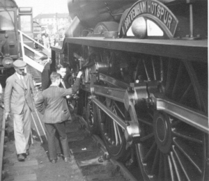 B17 No. 2870 'Tottenham Hotspur' at Walthamstow LNER exhibition, 1937 (DC Butler)