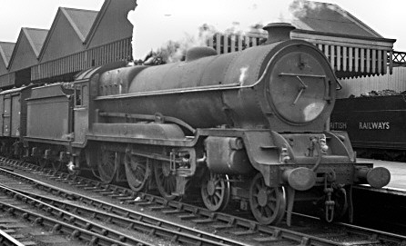 Robinson Class B7 No. 61705 at Sheffield (M.Morant)