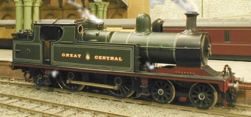 Arnie Buxton's 4mm model of the C13 running on Colombo's York layout