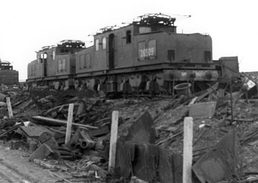 EF1s at the scrap yard near Sheffield in 1950; from the Bill Donald Collection