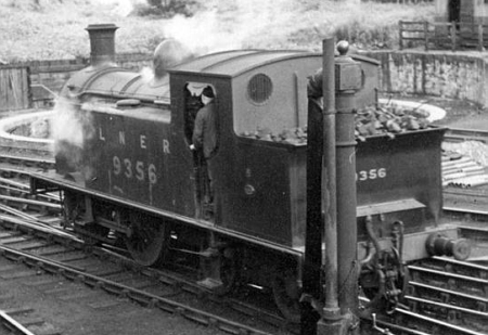 Reid G9 0-4-4T No. 9356 taking on water at Alloa (D.Henderson)