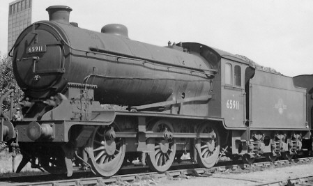 J38 BR No. 65911 at Thornton in 1960 with small group standard tender (PH.Groom)